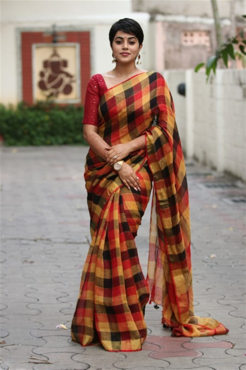Tamil Actress Poorna in Saree Latest Images