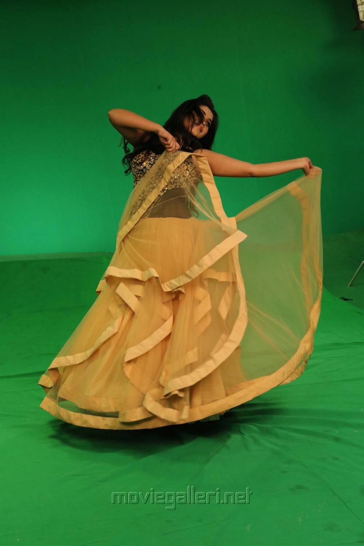 Actress Poorna Kundhi Movie Stills HD
