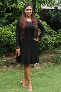 Actress Iniya @ Pottu Movie Press Meet Stills
