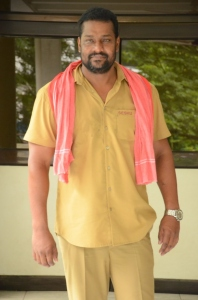 Right Right Prabhakar Interview Photos