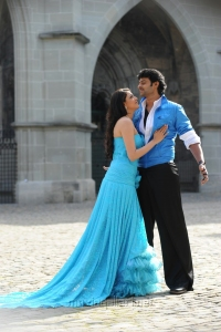 Kajal Agarwal & Prabhas in Prabhas Bahubali Movie Stills