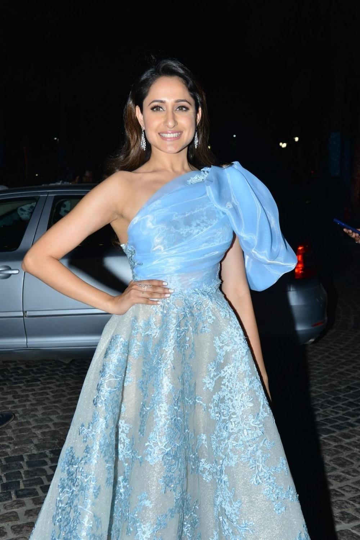 Actress Pragya Jaiswal Photos @ Filmfare Awards South 2018