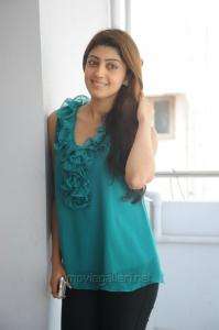 Actress Praneetha Latest Images @ Attarintiki Daredi Interview