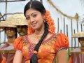 Praneetha Hot in Half Saree