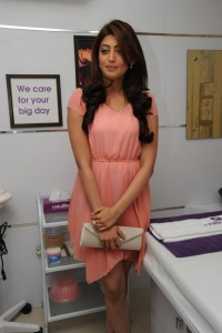 Pranitha Launches Naturals Family Salon in Barkatpur Photos