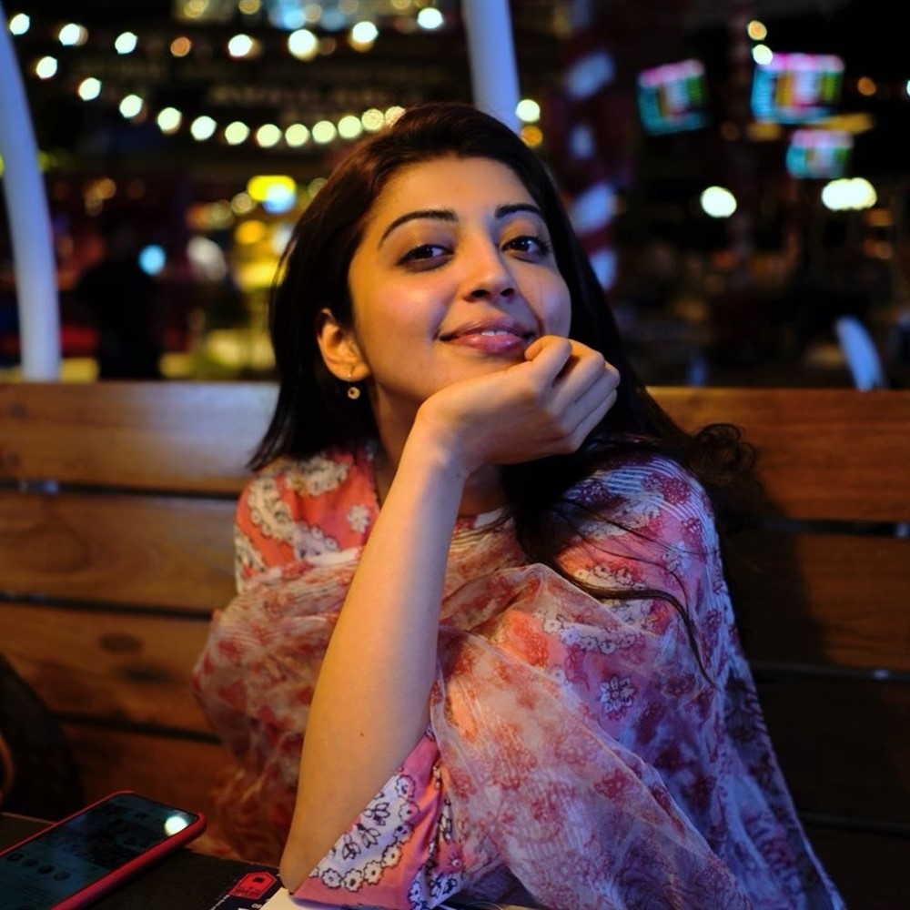 Pranitha - Actress Pranitha - Actress Pranitha Hot Pics