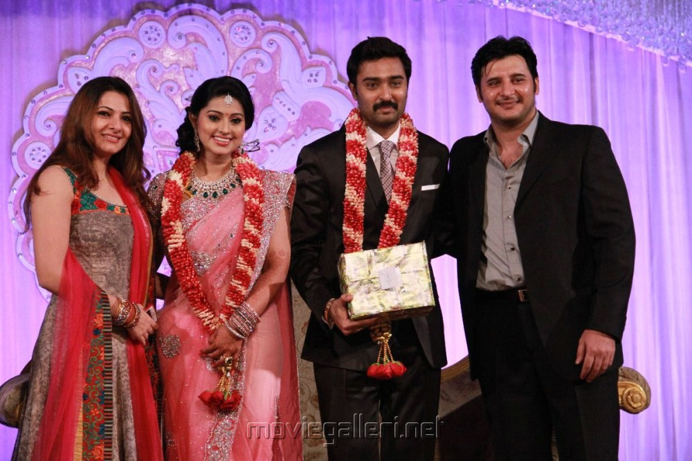 Picture 227416   Abbas with wife Erum Al at Prasanna Sneha Wedding