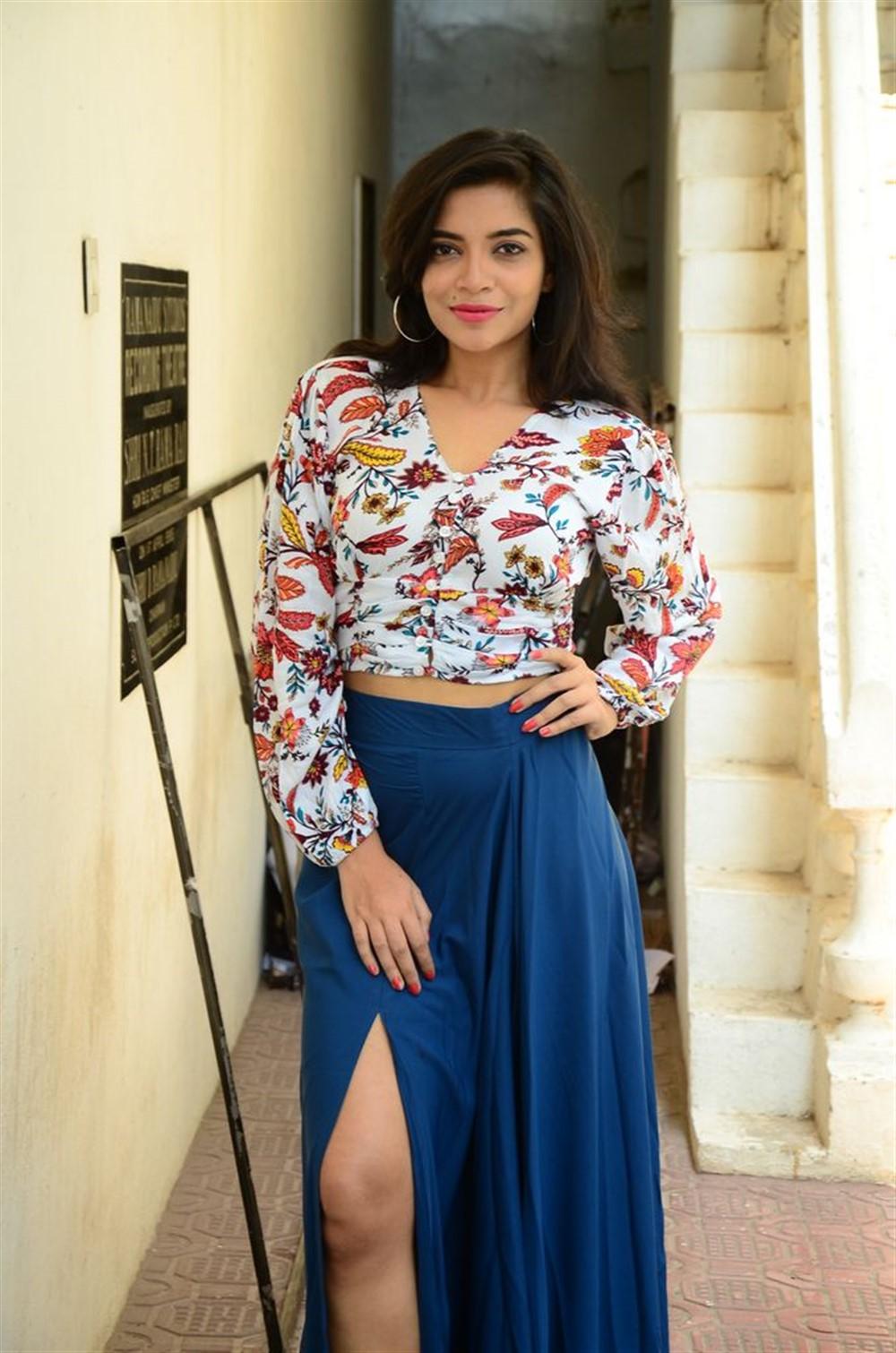 Actress Prashanthi Charuolinga Photos @ Falaknuma Das Trailer Launch