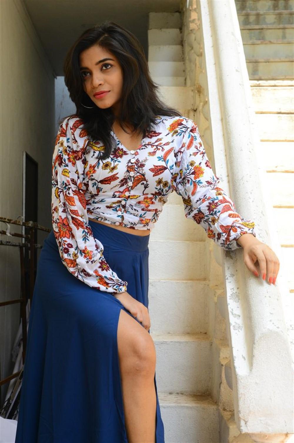 Actress Prashanthi Charuolingah Photos @ Falaknuma Das Trailer Launch