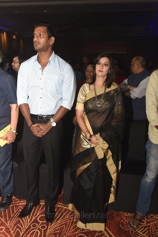 Vishal, Varalakshmi Sarathkumar @ Pride of Tamil Nadu Awards 2017 Stills