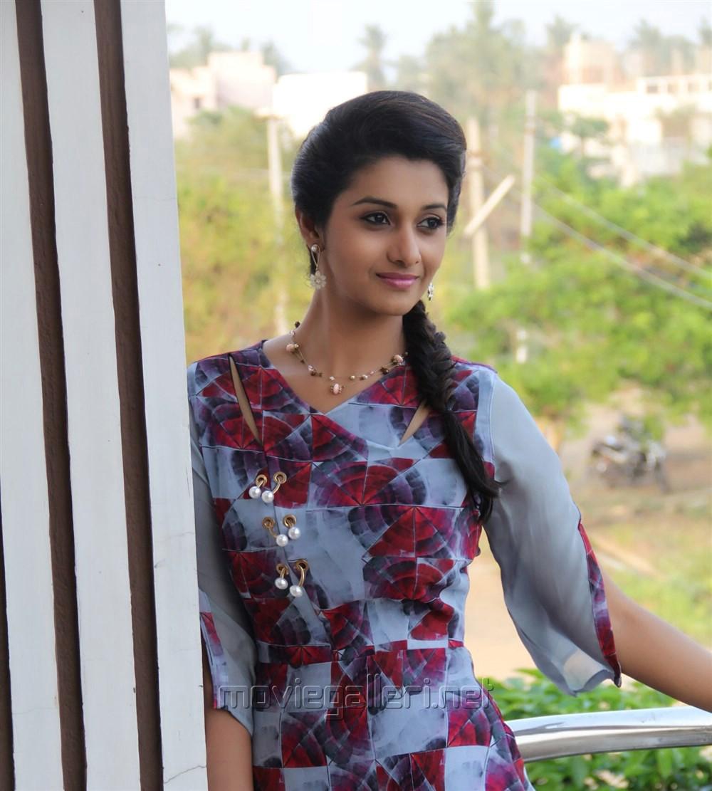 Actress Priya Bhavani Shankar Latest Photo Stills: Tamil Actress Priya Bhavani Shankar