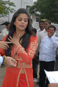 Telugu Actress Priyamani Latest Cute Images
