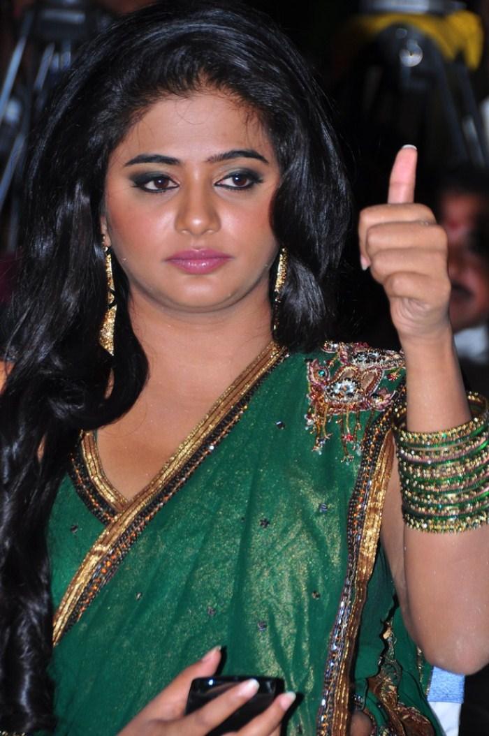 picture 93592 priyamani hot green saree stills new