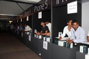Actress Priyamani Launch Apple iPhone 5 Photos