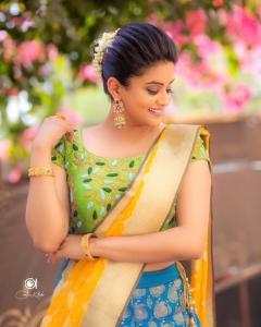 Actress Priyamani Saree Cute Photoshoot Stills