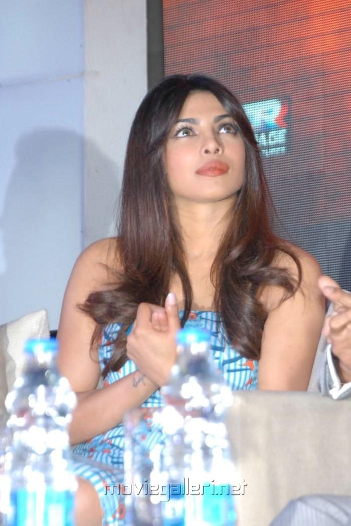 http://moviegalleri.net/wp-content/gallery/priyanka-chopra-at-toofan-trailer-launch/actress_priyanka_chopra_latest_photos_toofan_trailer_launch_063418c.jpg