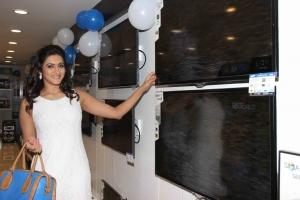 Actress Priyanka Rao launches Samsung Digital Plaza Photos