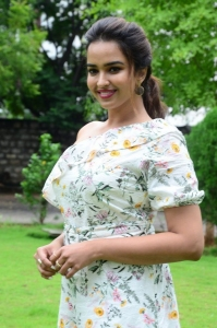 Actress Pujita Ponnada Images @ Aakasa Veedhullo Trailer Launch