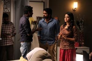 Vijay Sethupathi, Gayathrie Shankar in Puriyatha Puthir Movie Images