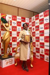 Cricketer Thirush Kamini @ Puthiya Thalaimurai Sakthi Awards 2018 Photos