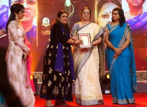 Divyadarshini, AR Reihana, Bhagirathi Ramamurthy @ Puthiya Thalaimurai Sakthi Awards 2018 Photos