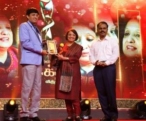 Malini Parthasarathy (The Hindu) @ Puthiya Thalaimurai Sakthi Awards 2018 Photos