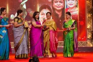 Nithyasree Mahadevan, Poornima Bhagyaraj, Kamala Selvaraj @ Puthiya Thalaimurai Sakthi Awards 2018 Photos