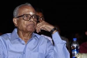 K.Balachander at Puthiya Thalaimurai TV Awards 2013 Photos