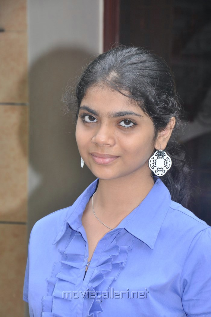 Sahana at Puthiya Thiruppangal Audio Launch Photos [ Gallery View ]