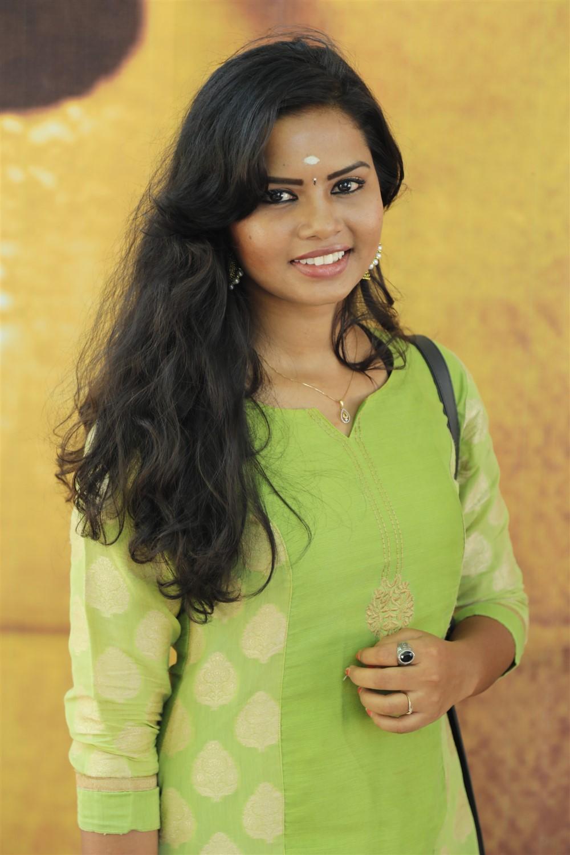 Actress Rithyka @ Puyalil Oru Thoni Movie Pooja Stills
