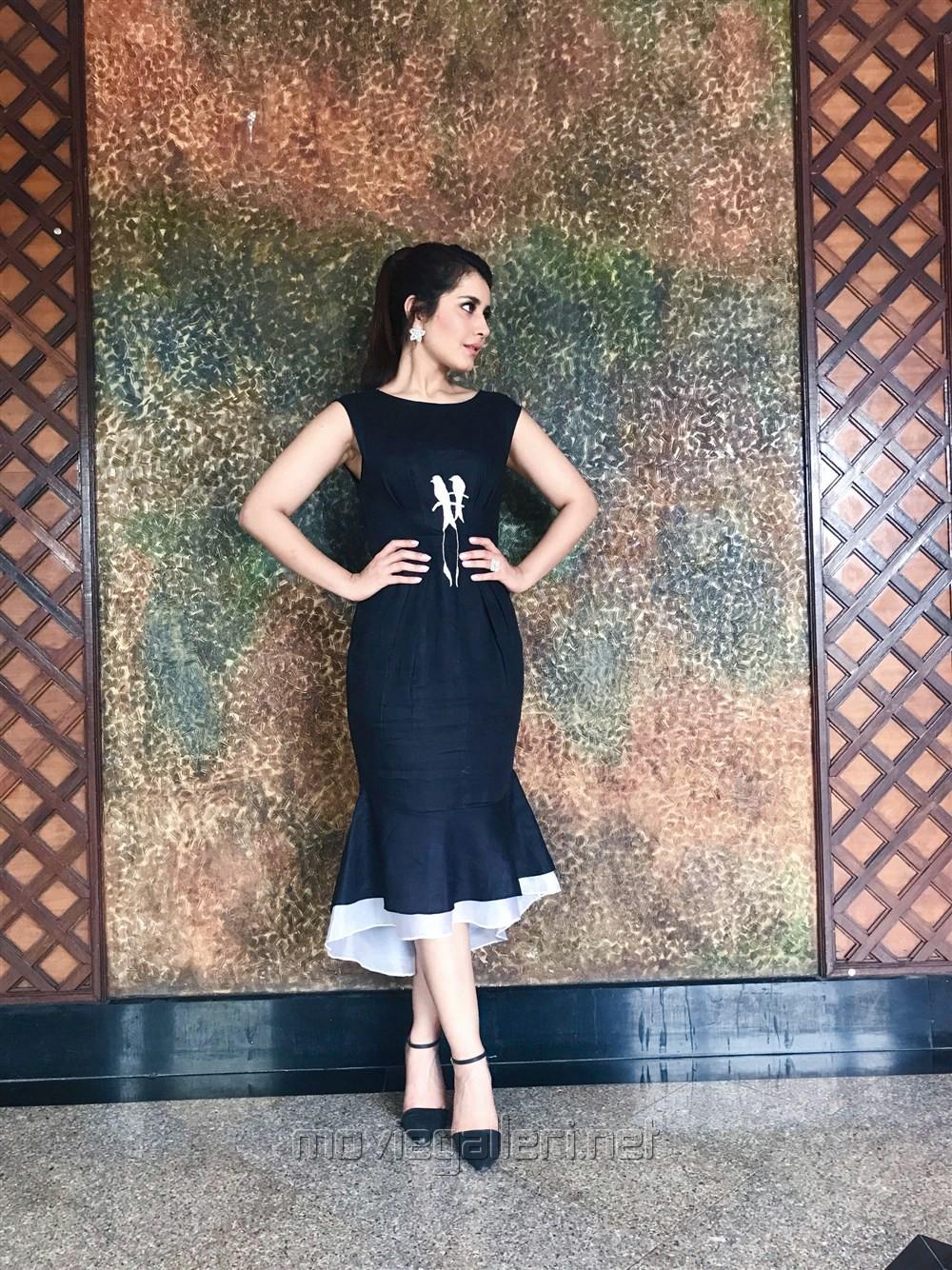 Beautiful Rashi Khanna Latest Pictures