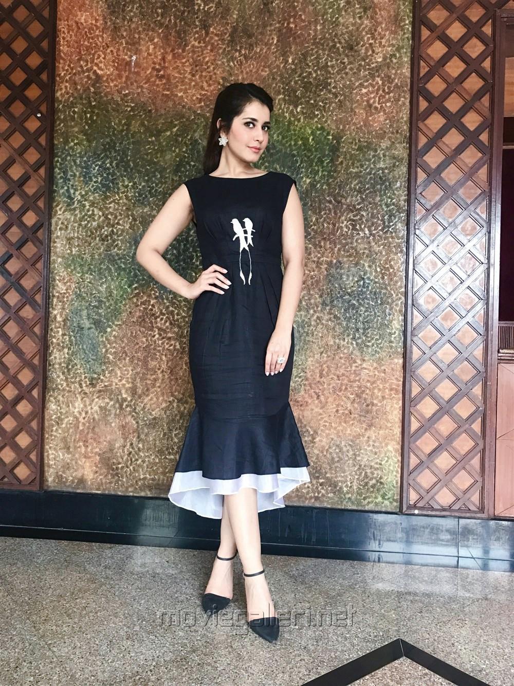 Beautiful Raashi Khanna Latest Pictures