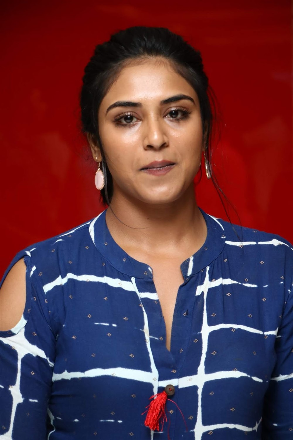 Actres Indhuja @ Raatchasi Movie Premiere Show Photos