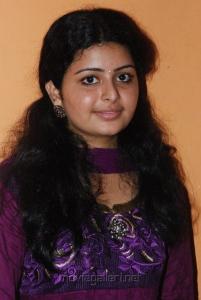 Actress Swathi at Raattinam Press Meet Stills