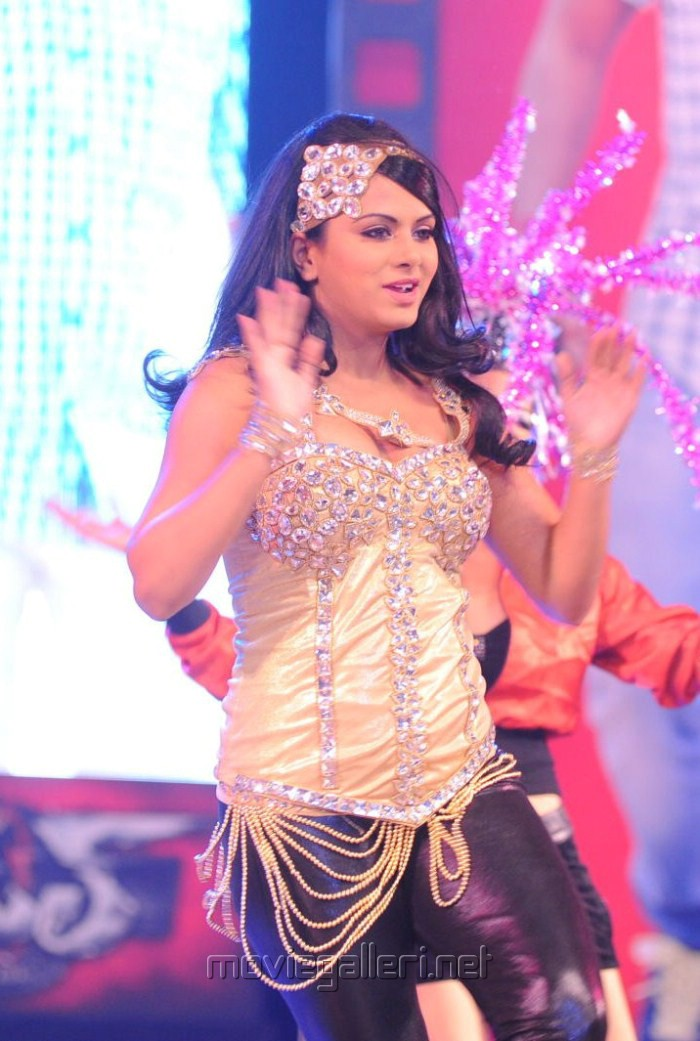 Hot Rachana Maurya Dance Pics