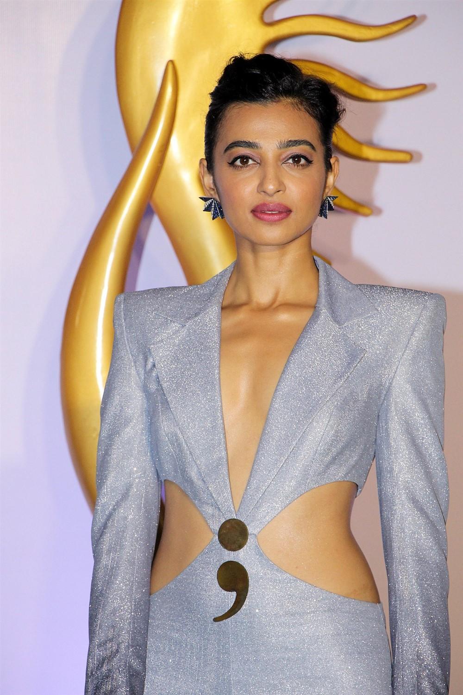 Actress Radhika Apte @ IIFA Rocks 2019 Green Carpet Pictures