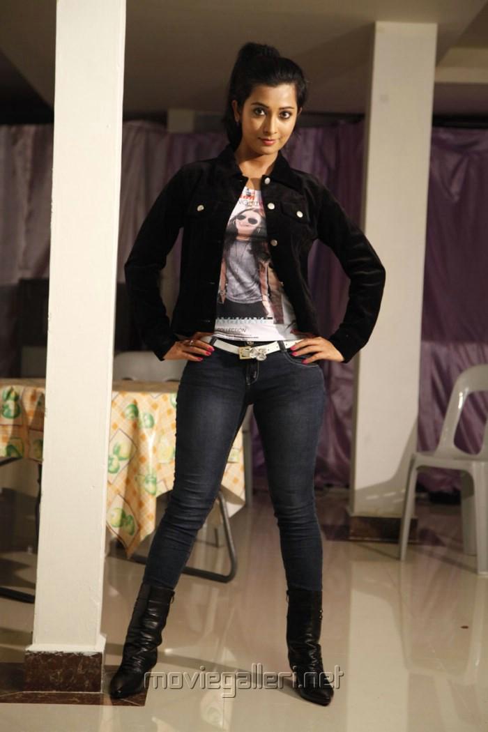 Actress Radhika Pandit New Photos in Yuvakudu Movie