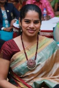 Actress Deepa Venkat @ Raindrops 2nd Annual Women Achiever Awards 2014 Stills