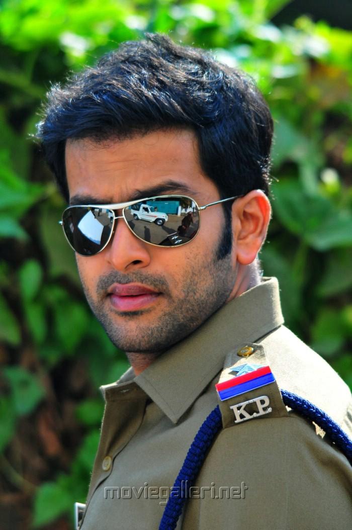 Pokkiri Raja (2010) Malayalam in HD - Einthusan ...