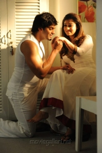 Arya, Nayanthara in Raja Rani Movie Pics