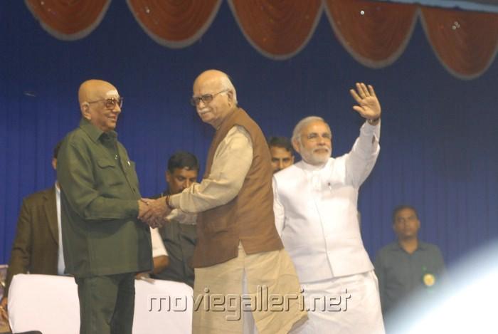 Cho Ramaswamy, LK Advani, Narendra Modi @ Thuglak Magazine 42nd Anniversary