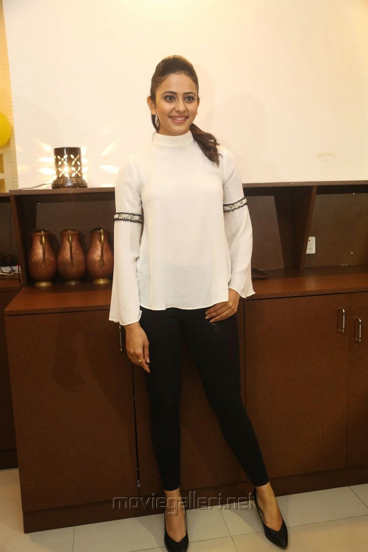 Actress Rakul Preet Singh Pics @ Junior Kuppanna Restaurant Rai Durg Launch