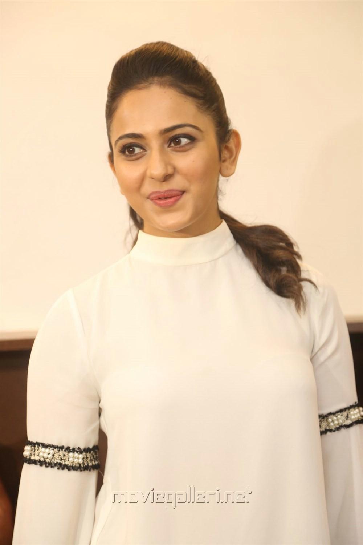 Actress Rakul Preet Pics @ Junior Kuppanna Restaurant Raidurgam
