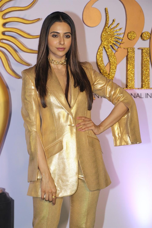 Actress Rakul Preet Photos @ IIFA Green Carpet