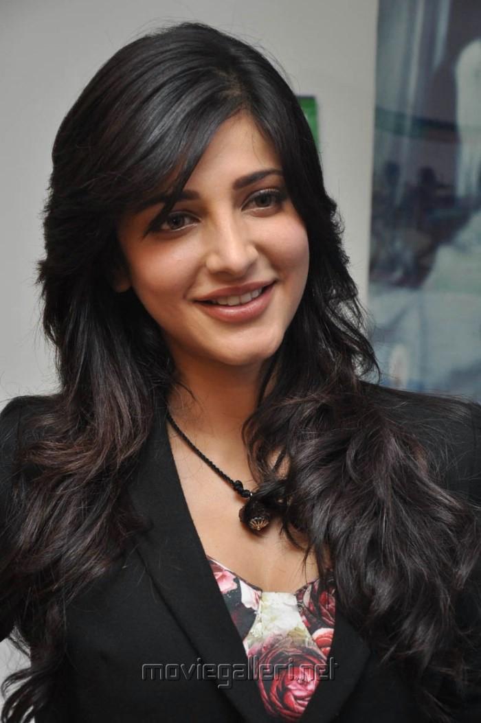 Picture 583463 | Actress Shruti Hassan @ Ramaiya Vastavaiya Press ...