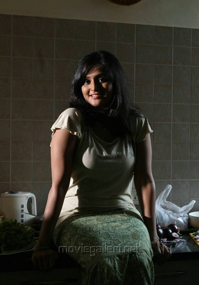 picture 269194 pizza actress ramya nambeesan hot photos