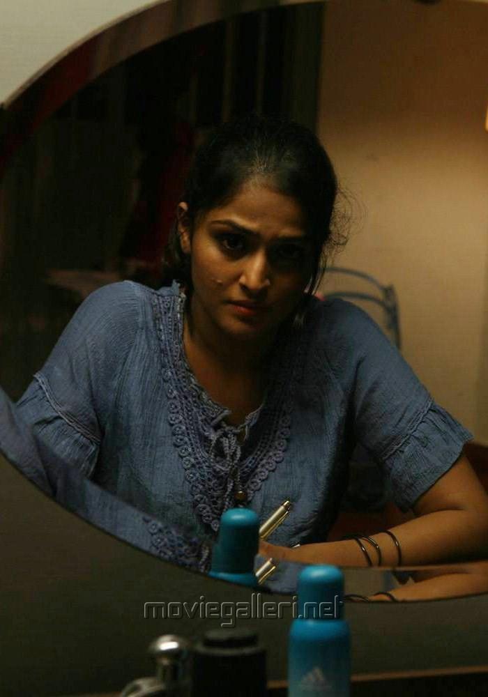 Video Description: Vijay Sethupathi and Ramya Nambeesan's Pizza Movie