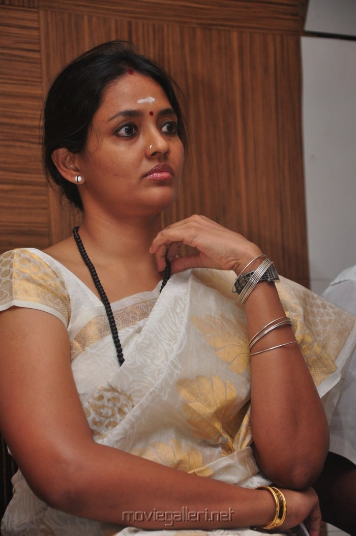 http://moviegalleri.net/wp-content/gallery/ranjitha-press-meet/ranjitha_press_meet_178.jpg