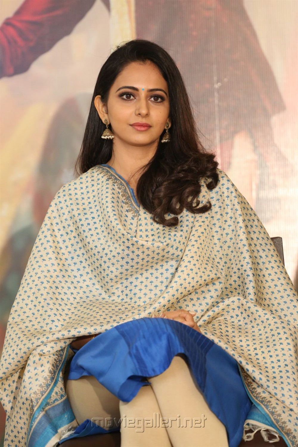 Rakul Preet Singh @ Rarandoi Veduka Chuddam Press Meet Stills