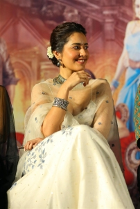 Aranmanai 3 Movie Actress Rashi Khanna Cute Photos